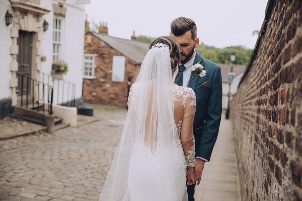 Back of the brides dress