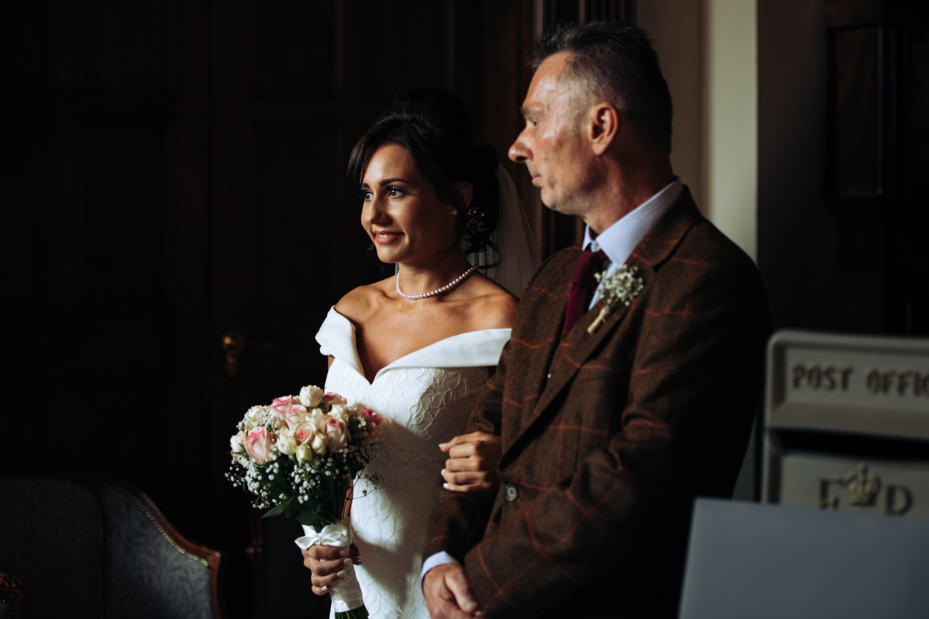 bride and dad at inglewood manor
