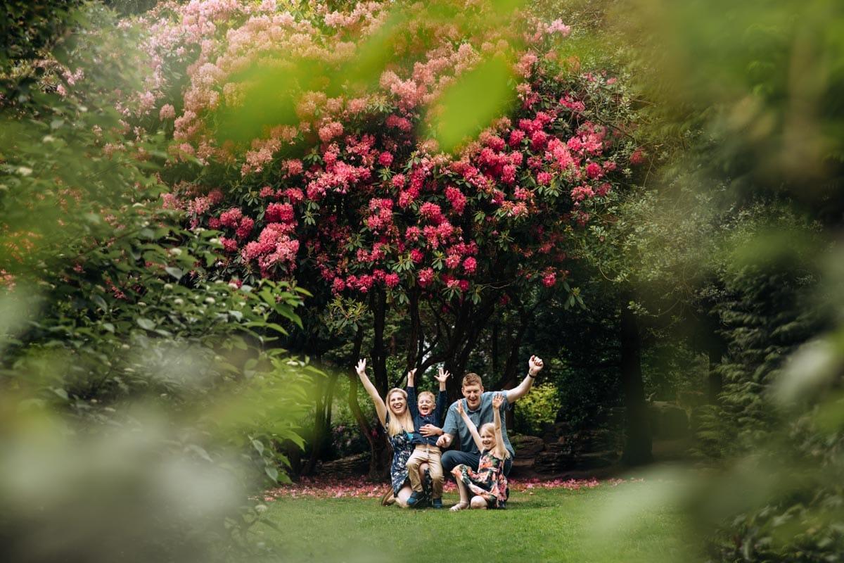 Family Cheering on photoshoot