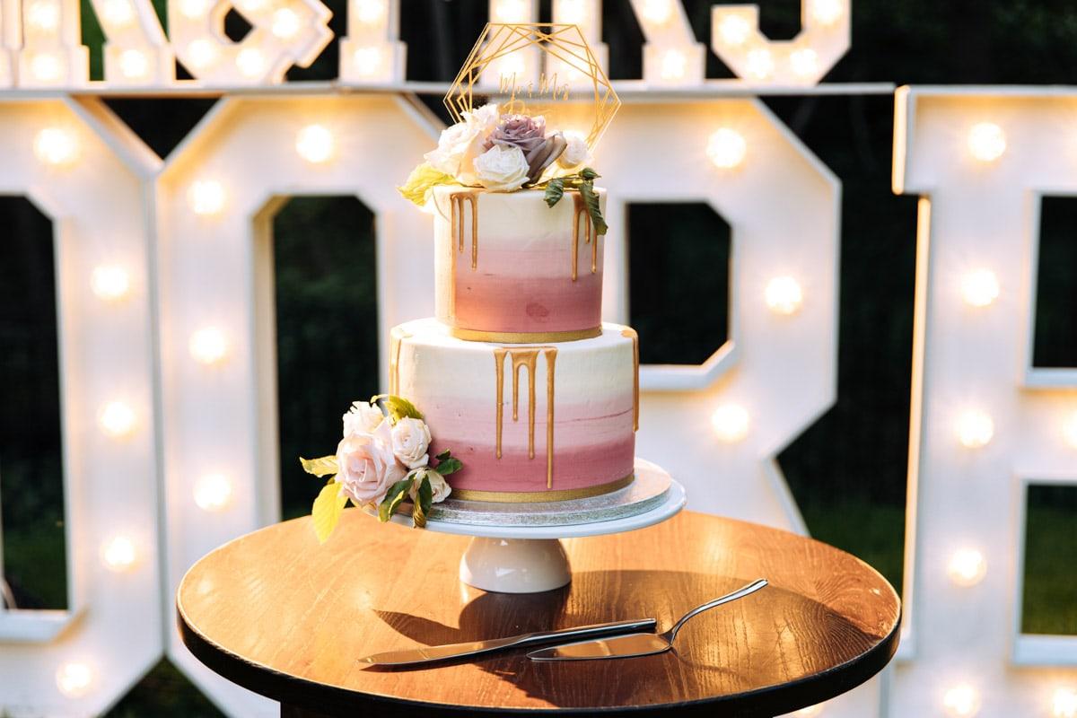 Wedding Cake at the woodman inn